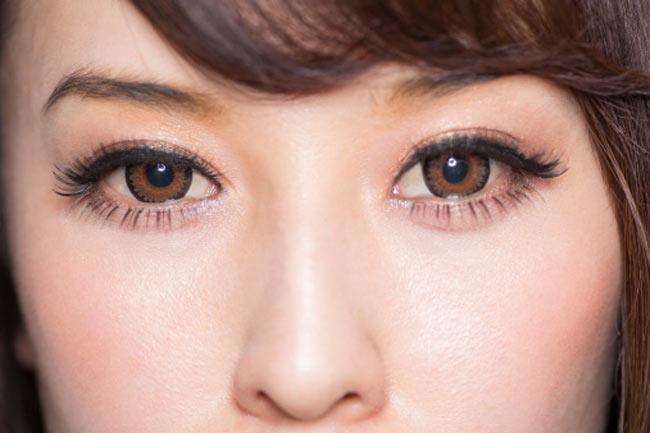 भूरी आंखें