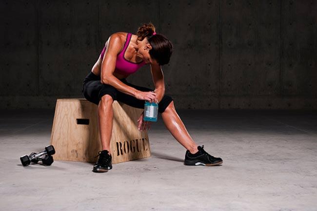 मिथ - व्यायाम बंद करने से मांसपेशियां वसा में बदल जाती हैं।
