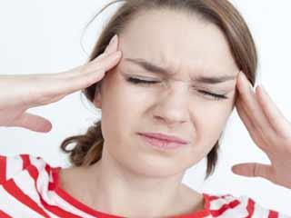 सिरदर्द की समस्या को हल्के में बिलकुल न लें