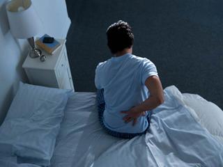 कई तरह का होता है पीठ दर्द जानें क्या हैं इनके कारण