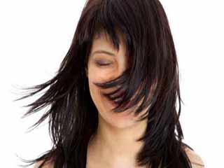 इन 7 संकेतों से जानें कि आपके बाल हैं स्वस्थ