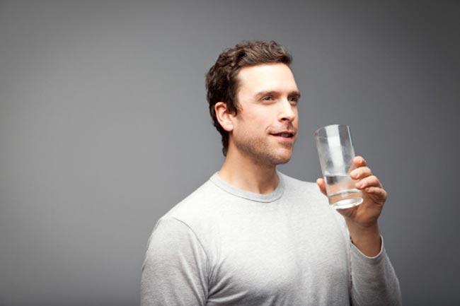 पानी पीयें