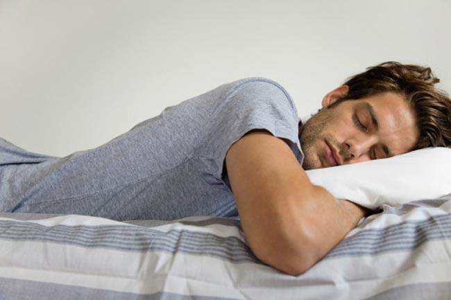 क्यों करते हैं नींद में बातें?
