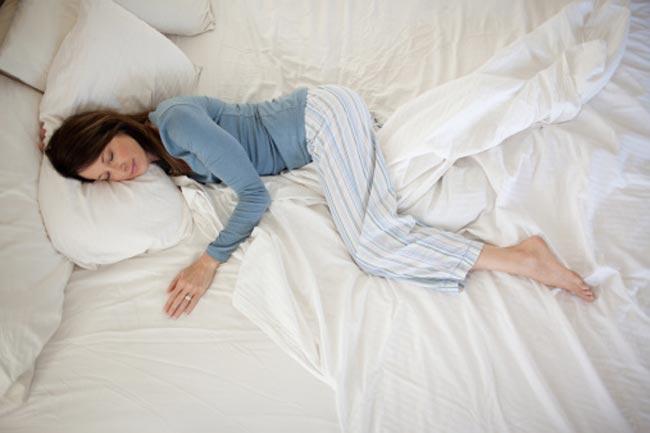नींद में बात करने के लक्षण