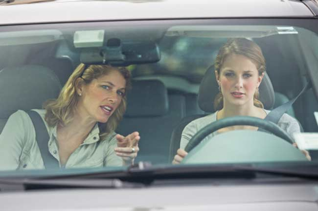गाड़ी चलाते समय पीठ दर्द