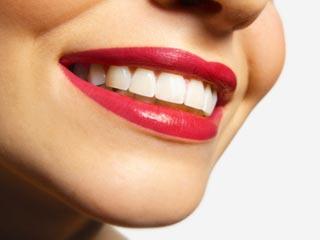 कुछ मिनटों की आदतों से दांतों को हमेशा रखें स्वस्थ