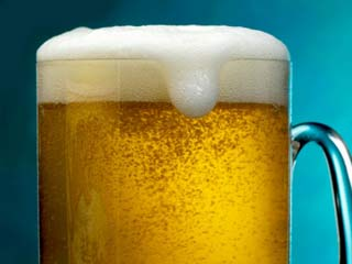 7 Beer Benefits to Put Life Back into your Hair