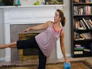 गर्भावस्था में व्यायाम लेग स्विंग
