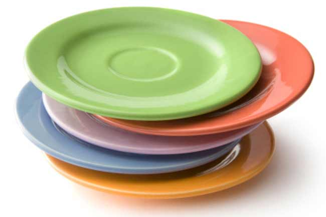 Use Small Plates in Darker Colours
