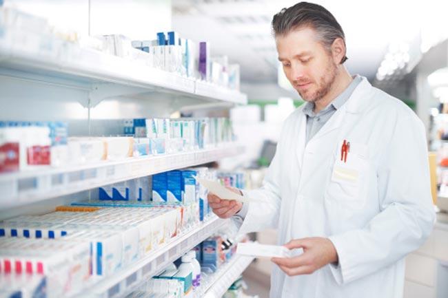 डॉक्टर की सलाह के बैगर दवाओं की खरीद से बचें