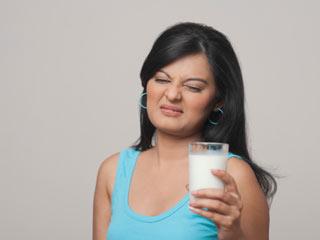 8 घरेलू नुस्खों से दूर करें दूध की एलर्जी
