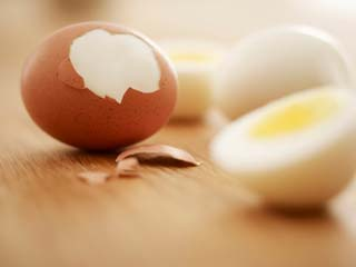 अंडे के सफेद हिस्से के सेवन से होते हैं ये 4 दुष्प्रभाव