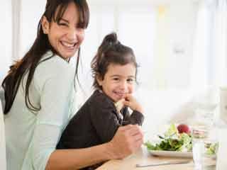 अपने बच्चे की पॉजिटिव सेल्फ-इमेज बनाने में कैसे करें मदद