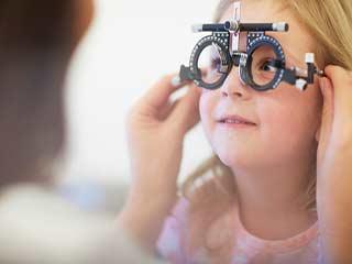 प्री-स्कूल जाने वाले बच्चों के लिए आंखों की सालाना जांच क्यों है जरूरी