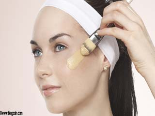 How to hide pimple with foundation