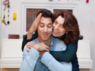 Why men date their mother's look-alike
