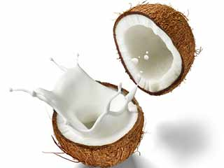 Top 7 Beauty Benefits of Coconut Milk