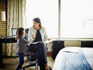 अपने बच्चे को सिखाएं जिंदगी से जुड़े ये 7 पाठ