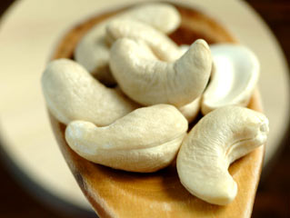 Handful of Cashews can beat the Blues