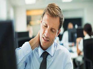 जानें क्या और क्यूं होता है गर्दन का दर्द