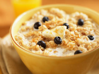 8 Reasons you should Eat Oatmeal for Breakfast
