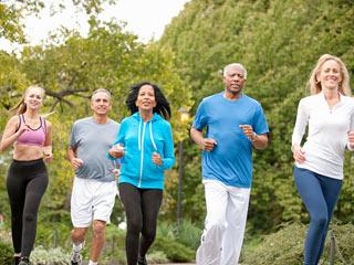 रोज आधा घंटा व्यायाम करने से कम होता है मौत का जोखिम