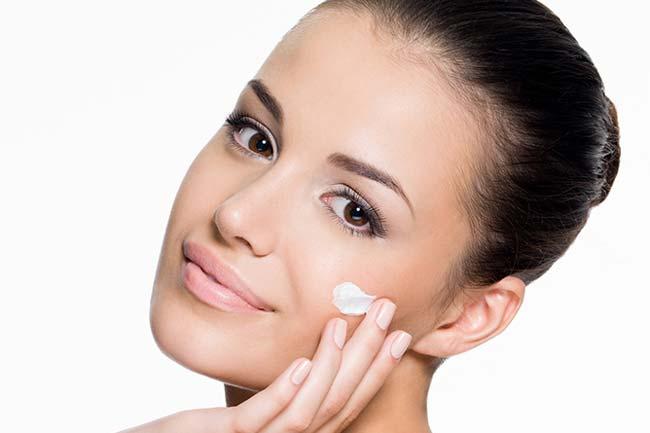 त्वचा की नमी बरकरार रखे