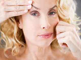 इन प्राकृतिक उपायों की मदद से करें ढीली त्वचा का उपचार
