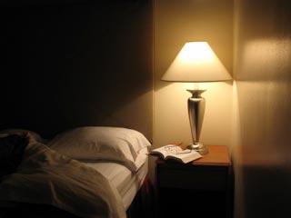 क्यों रात में कृत्रिम रोशनी आपकी सेहत के लिए है खतरनाक