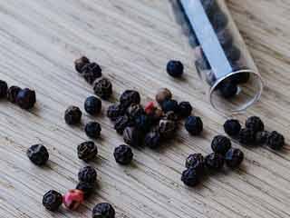 7 Surprising health benefits of black pepper