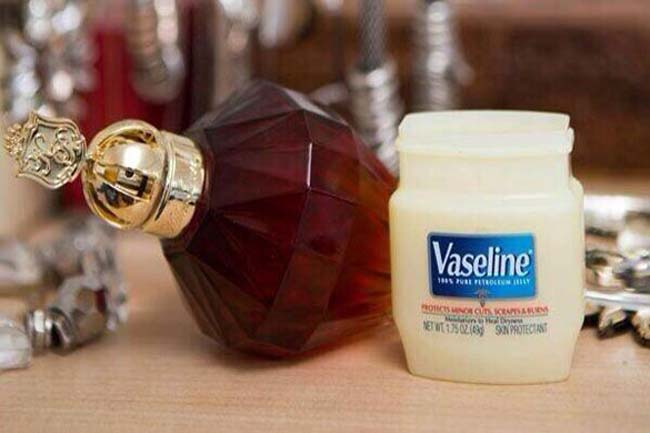 Apply Vaseline on your pulse points