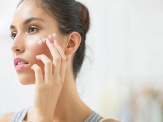 त्वचा के लिए ग्लायकोलिक एसिड के फायदे व नुकसान