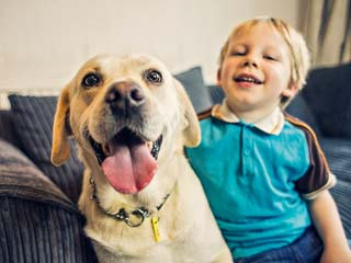 पालतू कुत्ते बच्चों में कम करते हैं अस्थमा का खतरा