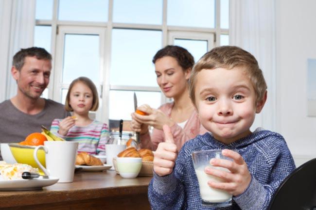 नाश्ते से पहले दूध