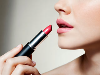 Health dangers lurk for every woman who's a lover of lipsticks