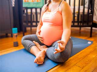 Pregnancy tips to exercise safely during the third trimester