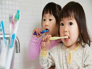 बच्चों के दांतों को स्वस्थ रखने के तरीके