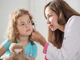बच्चों में सुनने की क्षमता कम होने के कारण
