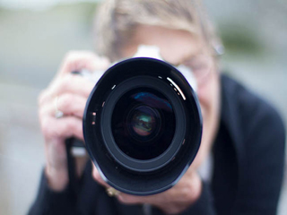 फोटोग्राफ में बेस्ट लुक पाने के आसान टिप्स