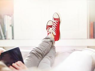 घर में जूते पहनकर घूमने से हो सकती हैं संक्रामक बीमारियां
