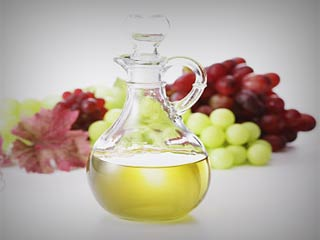 Use grapeseed oil for hair growth