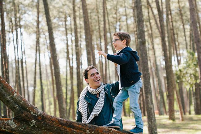 पेड़ों पर चढ़ना सिखायें