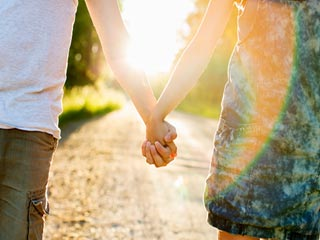 डेटिंग के नौ अलग तरीके