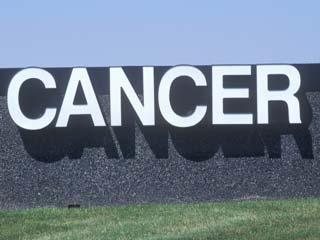 कैंसर से बचना है तो कम करें वजन