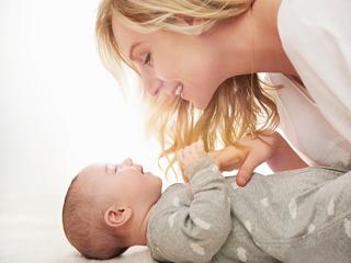 ऐसे करें शिशु के मुंह की सफाई