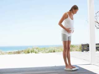 प्रेगनेंसी में बढ़ते वजन को कैसे करें स्वीकार