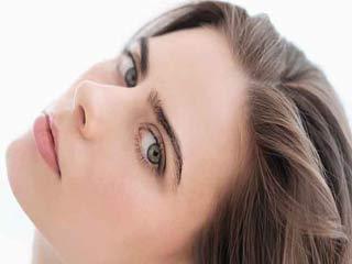 आंखों को जवां दिखाने के प्राकृतिक तरीके