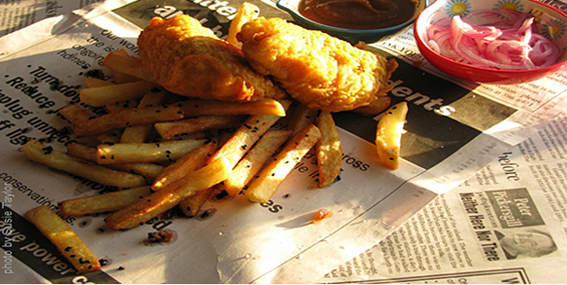 Newspapers To Remove Oil From Fried Foods in Hindi