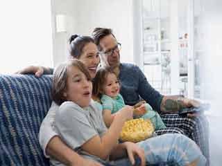 5 संकेतों से जानें कि वास्तव में आपका बच्चा है खुश