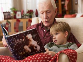 बच्चों को सुलाने से पहले कहानी सुनाने से होते हैं ये फायदे